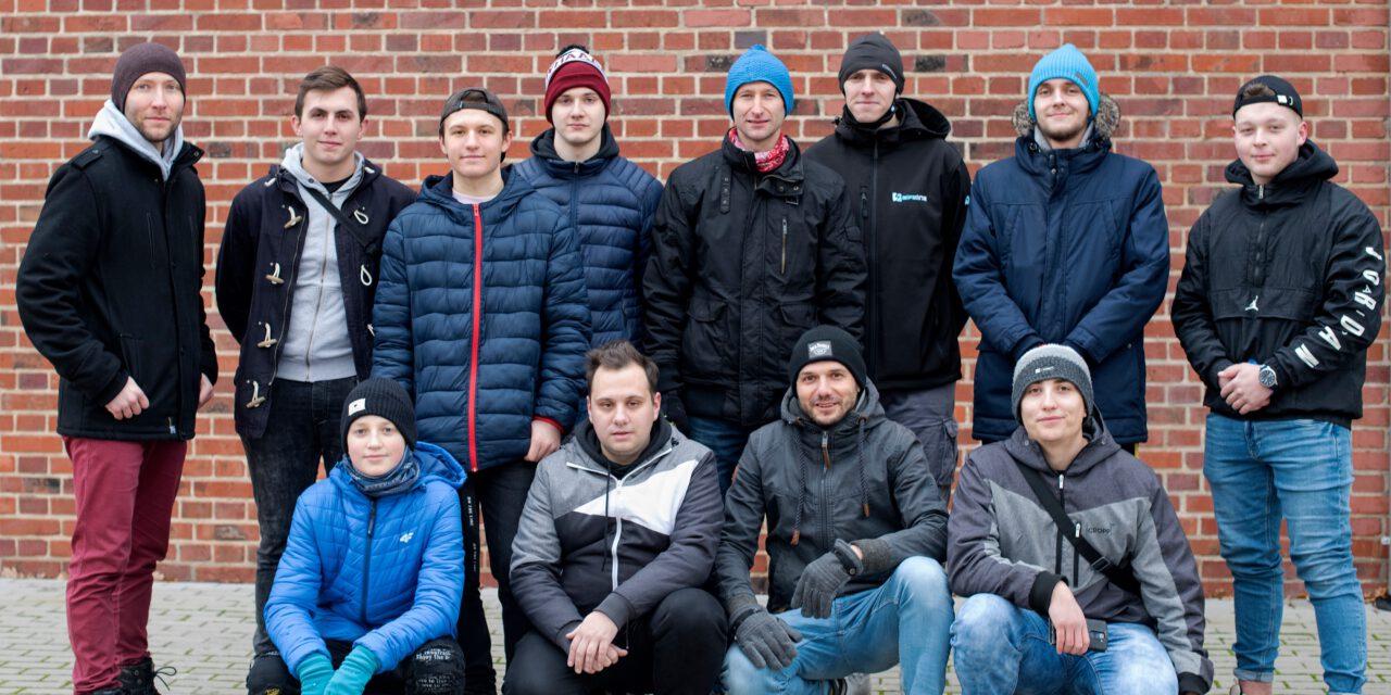Średnie biegowe zawodników Szarży