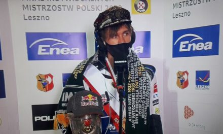 Maciej Janowski i Sparta liderem!